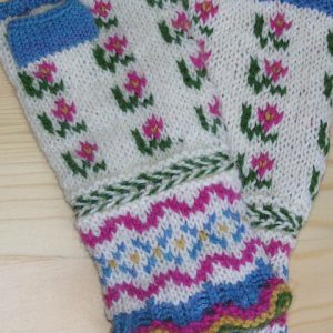 Spring Latvian Mitts
