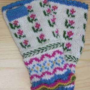 Spring Latvian Fingerless Mitts